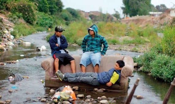 Unos 900.000 jóvenes están desempleados y sin estudios en Perú
