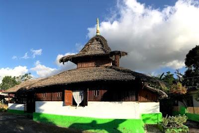 masjid-tua-wapauwe