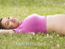 Giữ sức khỏe cho thai phụ trong mùa hè