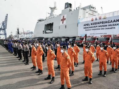 Antipasi Banjir, DKI Jakarta Siapkan 955 Personel Sebagai Tim Penyelamat Warga