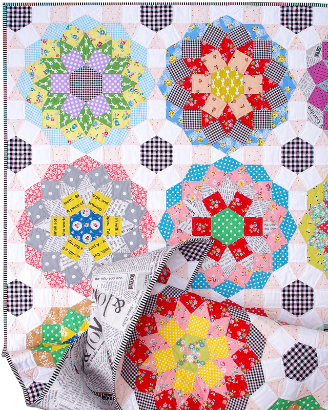 Mandolin Quilt - Tales of Cloth Quilt Club 2018 | © Red Pepper Quilts 2018 #redpepperquilts #mandolinquilt #englishpaperpiecing