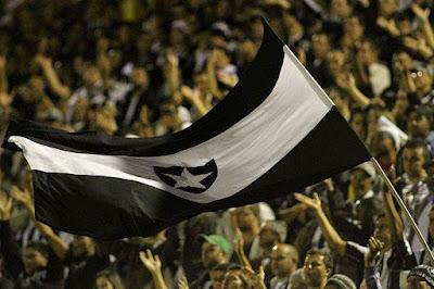 """Ou o Botafogo se une ou vai virar um clube """"simpático, que não faz mal a ninguém"""