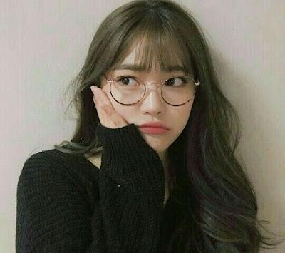 coreana-oculos-tumblr