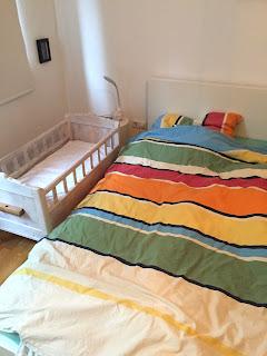 12 von12: Unser Schlafzimmer mit dem Babybettchen