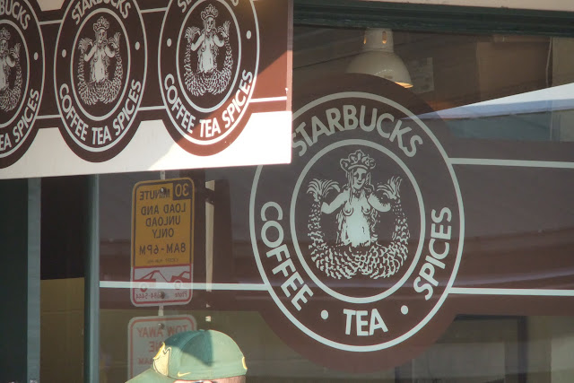 starbuckscoffee_first_outlet