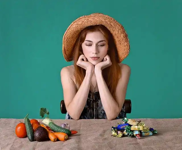 اشهر نظام غذائي متبع لإنقاص الوزن المستخدم في الاعلانات التلفزيونيه حيث يفقد بعض المتسابقين قدرًا كبيرًا من الوزن لاستعادته على الفور تقريبًا؟