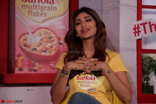 Shilpa Shetty super cute fit in Yellow T Shirt 2.JPG