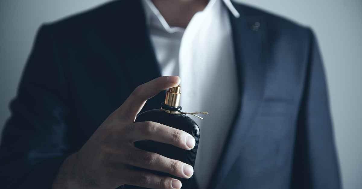 Top 10 Attractive Perfumes For Men 2021 - Moniedism