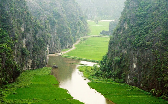 Ninh Binh reached the top 15 wonders in the world 1