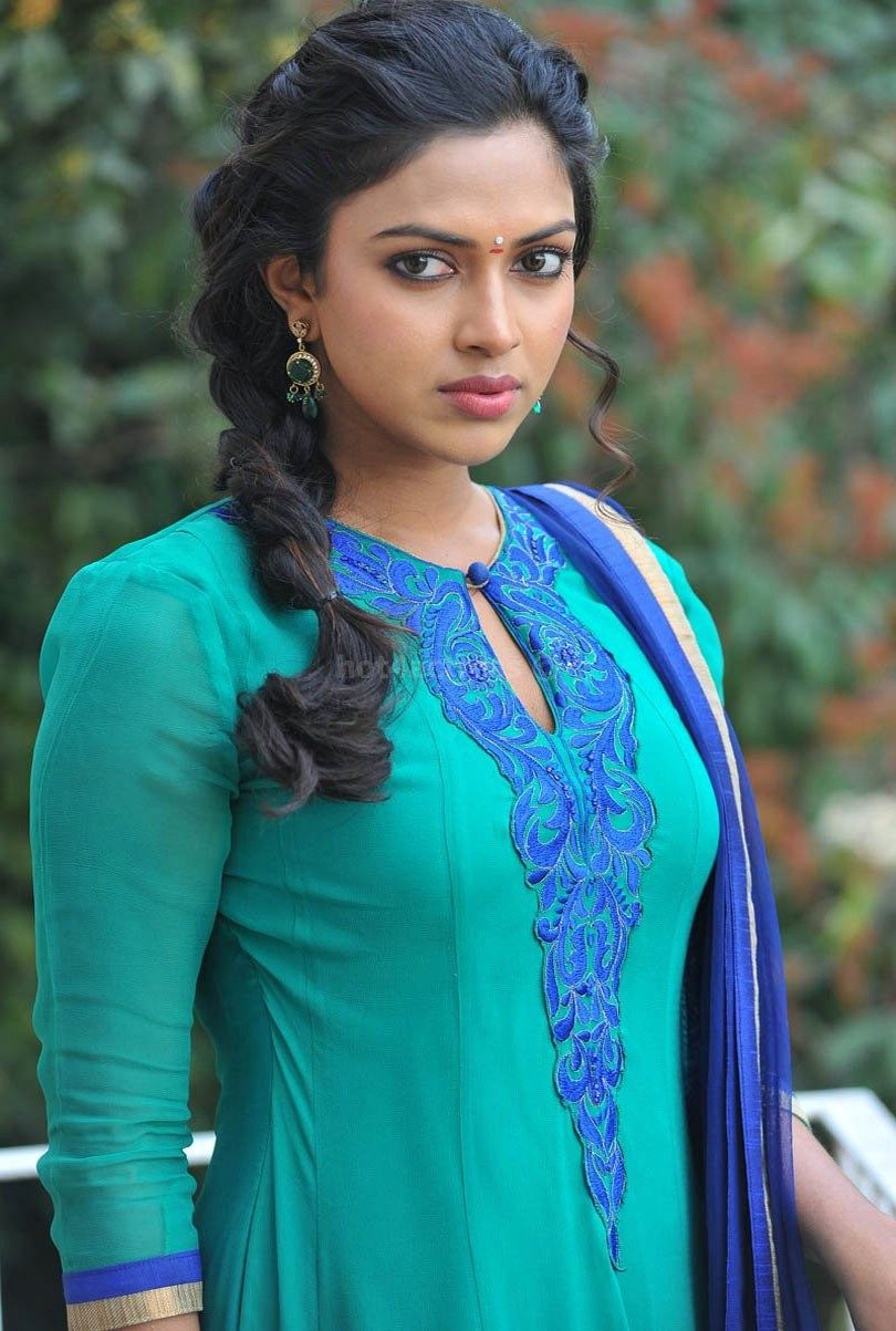 amala paul hot pictures