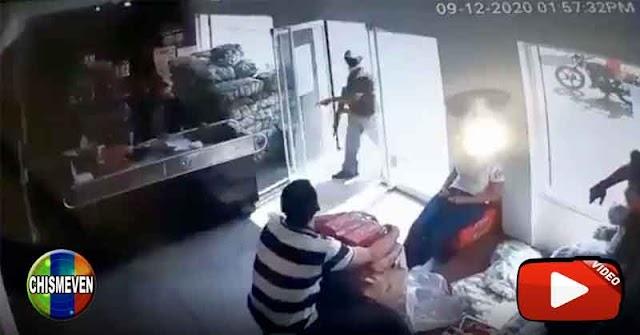 Video del ataque con armas largas a un local comercial de La Cañada