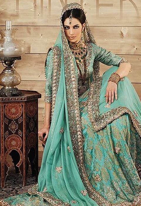 gaun pengantin muslimah ala india