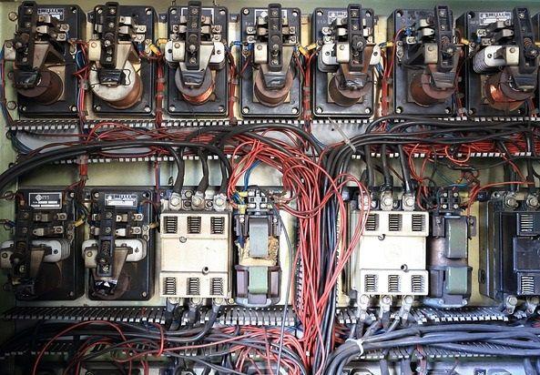 panel maker