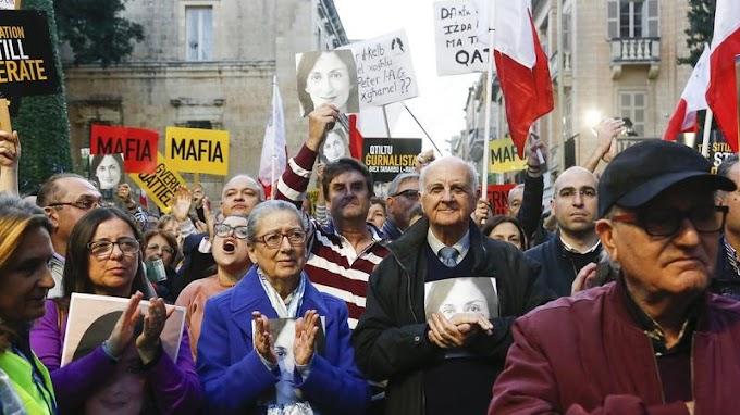 Belebukott a máltai kormányfő az újságíró-gyilkossági ügybe