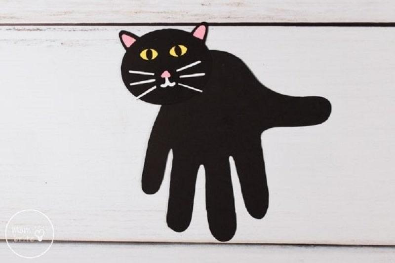 black cat handprint craft