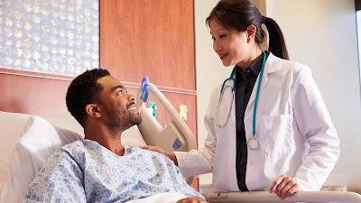 orang kaya menikmati layanan kesehatan berkualitas - catatan adi
