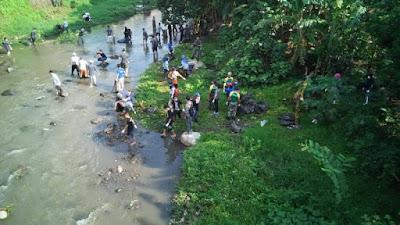 Tanggap Banjir, Yonif Raider 509 Kostrad Bersih-Bersih Sungai Bedadung Jember