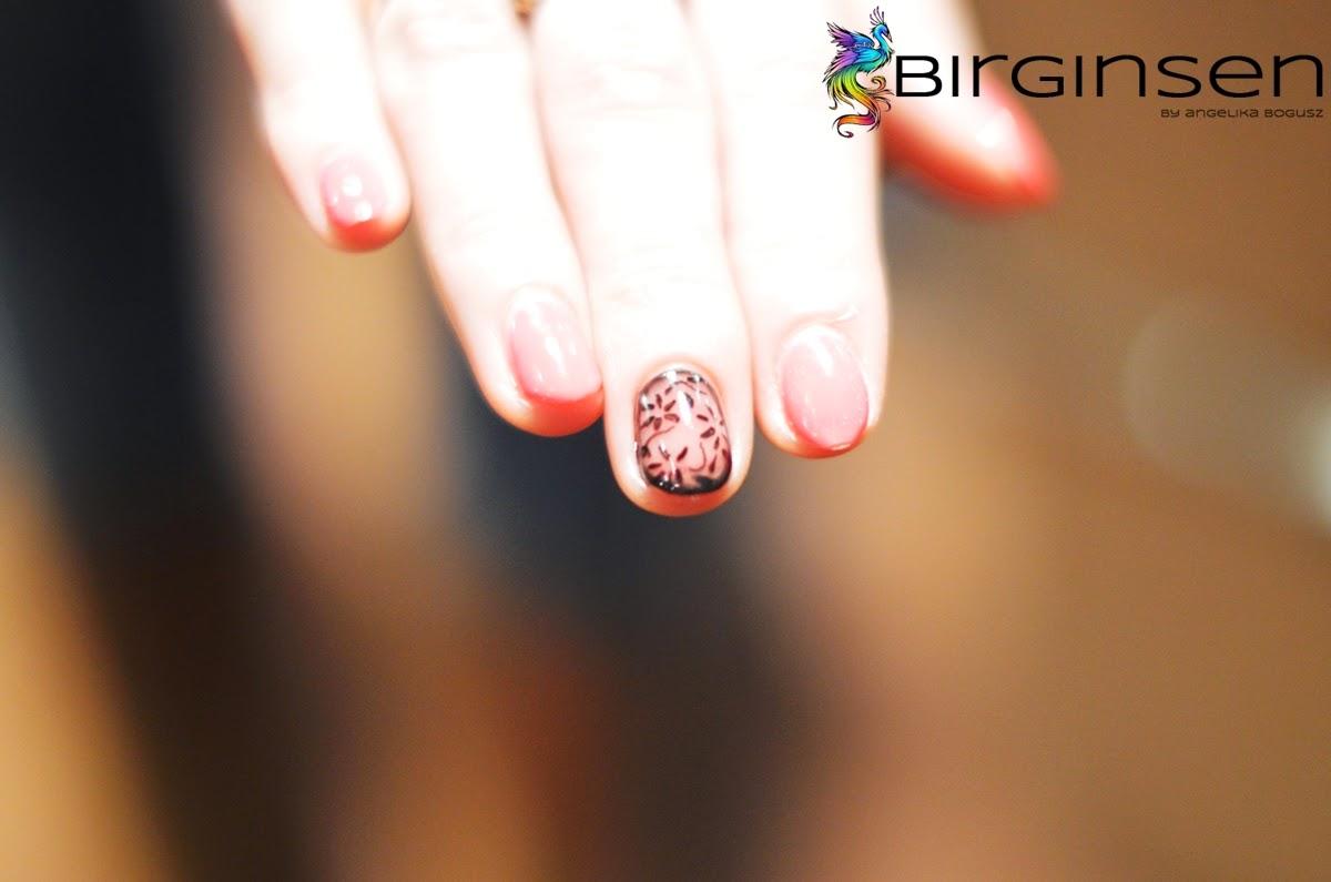 rajstopki na paznokciach