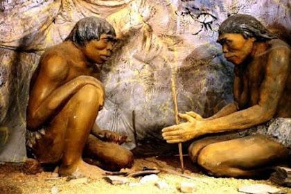 Pola hunian manusia pada zaman praaksara adalah nomaden, semi nomaden, dan menetap