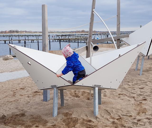 5 spannende Familien-Ausflüge auf Fehmarn im Winter. Plant Ihr einen Urlaub auf der größten Insel Schleswig-Holsteins? Auf Küstenkidsunterwegs zeige ich Euch fünf tolle Ausflugstipps für Familien mit Kindern in der kalten Jahreszeit bzw. außerhalb der Saison.