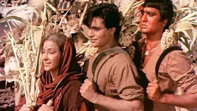 mother india trivia in hindi - Nargis, Rajendra Kumar & Sunil Dutt from Mother India