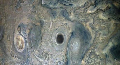 """NASA admite: """"Nós não podemos explicar por que esse Abismo Misterioso foi Aberto em Júpiter"""""""