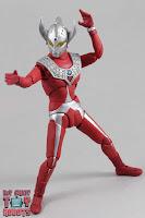 S.H. Figuarts Ultraman Taro 15