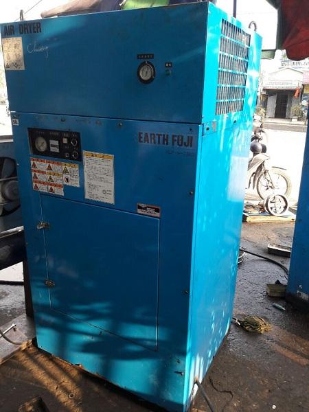 máy nén khí fuji 10 Hp dùng cho sơn tĩnh điện, làm lốp xe các loại