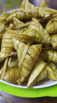 Aneka resipi ketupat , hidangan wajib di pagi raya