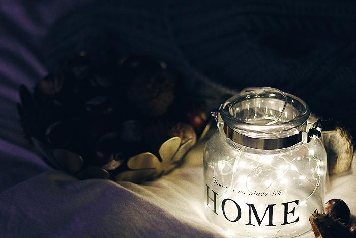 Przytulna sypialnia na jesień