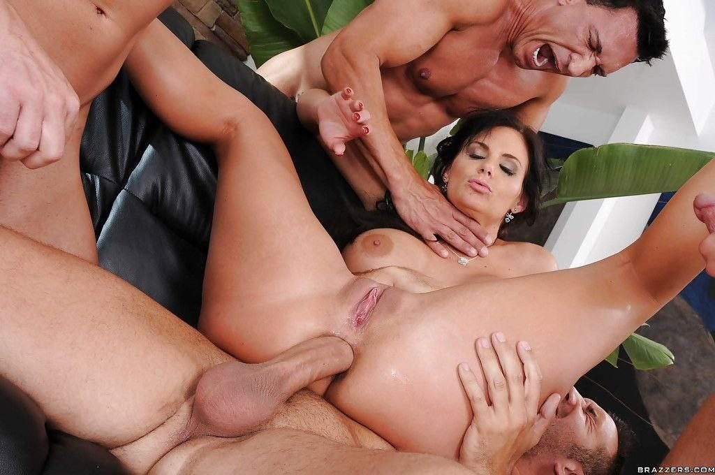 Shaved pussy mature anal