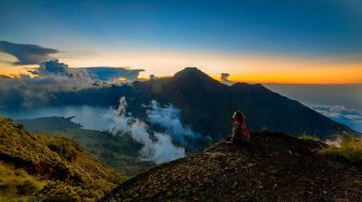 Plawangan Sembalun Crater Rim an altitude 2639 meter of mount Rinjani
