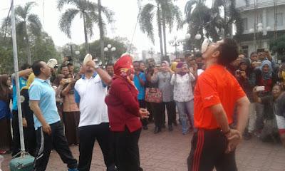 Pengamat : Bupati Baru Memberikan Hukum Moral Untuk Pejabat Karawang Yang Berangkat Malaysia