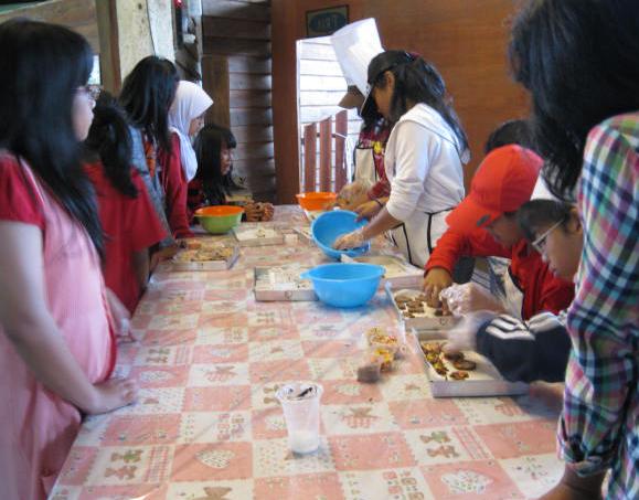 Latihan Membuat Kue ala De Ranch