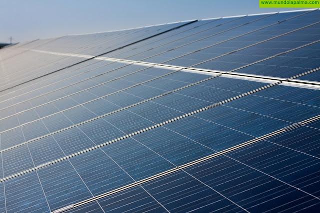 Transición Ecológica actualiza la información de los parques fotovoltaicos de Canarias en su visor web