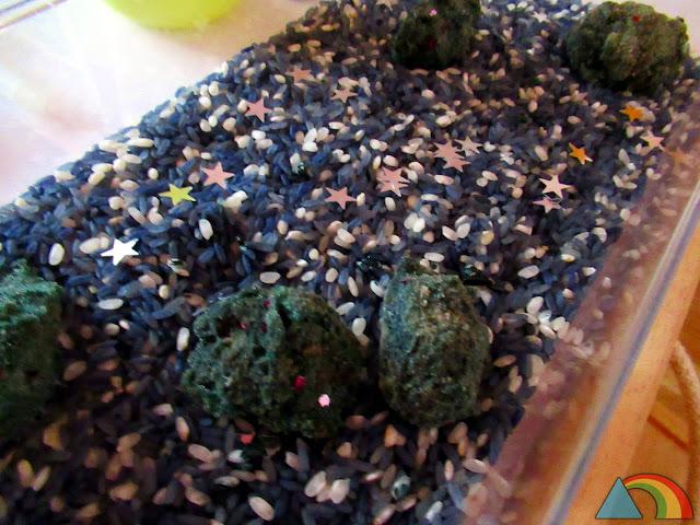 Piedras lunares hechas con bicarbonato sódico