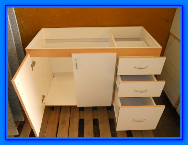 Muebles de cocina detalle para instalar cajones - Mesa de cocina con cajones ...