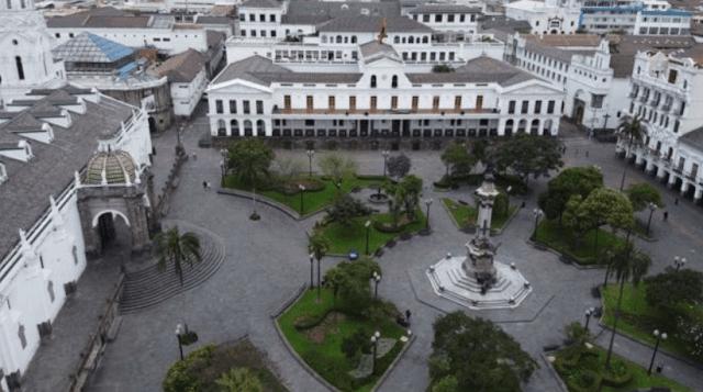 Plaza Grande in Quito: Impact of coronavirus on the world and economy