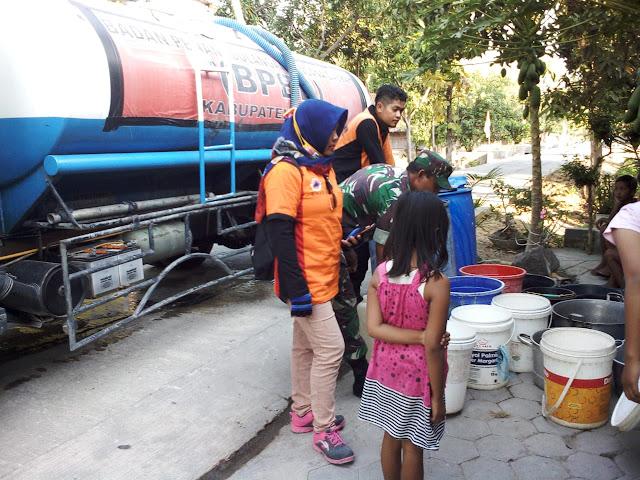 Dropping Dua Tangki Air Bersih Untuk Desa Bagor Miri