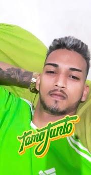 Jovem é assassinado a tiros dentro de salão de beleza em Pedreiras