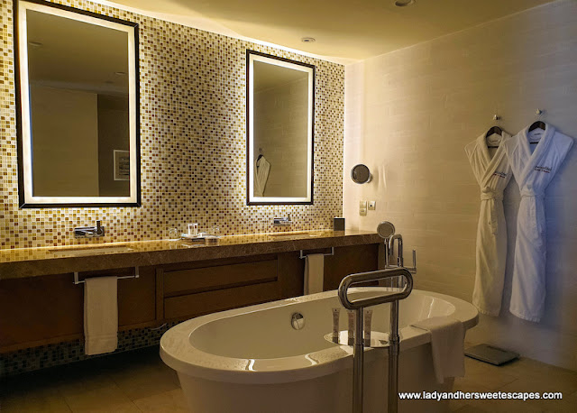 fancy bathroom at Swissotel Al Ghurair