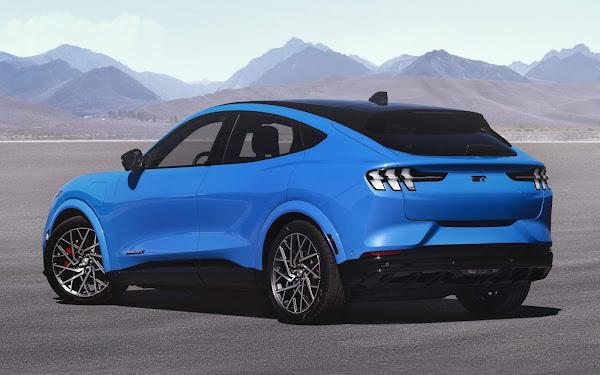 Mustang Mach-E GT e GT Performance tem autonomia estimada EPA: 270 e 260 milhas