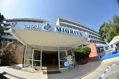 """Un """"vacanțier"""" explorator, dar destins la Hotel Miorița din Neptun"""