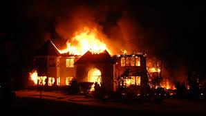 rumah yang terbakar