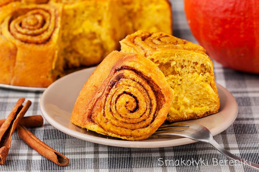 dyniowe cinnamon rolls