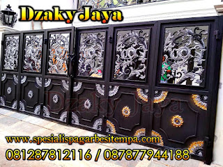 Model Pagar Lipat Besi Tempa Full Ornamen Alferon di Pejaten, Jakarta Selatan.