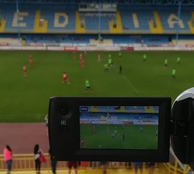 Foto/Video: Mai multi fotbalisti romani au jucat la Medias un meci caritabil