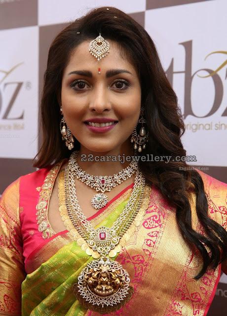 Madhu Shalini Diamond Kasu Mala