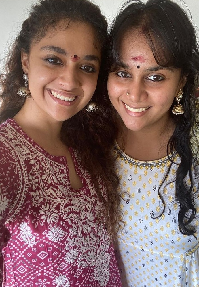 Keerthy Suresh Lovely Smile Celebrating Diwali with her Lovely Family at Home 2
