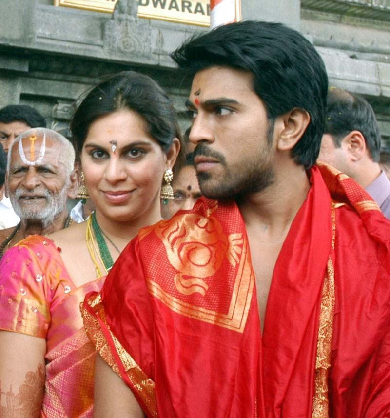 NISEWALLPAPERS: Ram Charan And Upasana At Tirupati Pictures